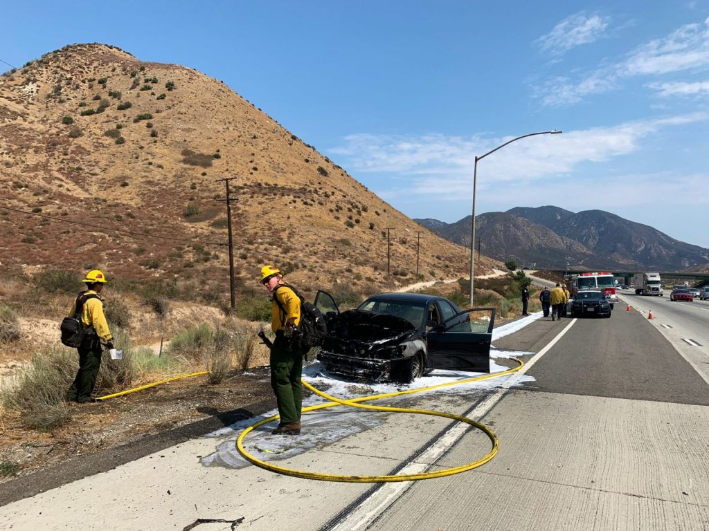 Vehicle fire in Cajon Pass quickly knocked down
